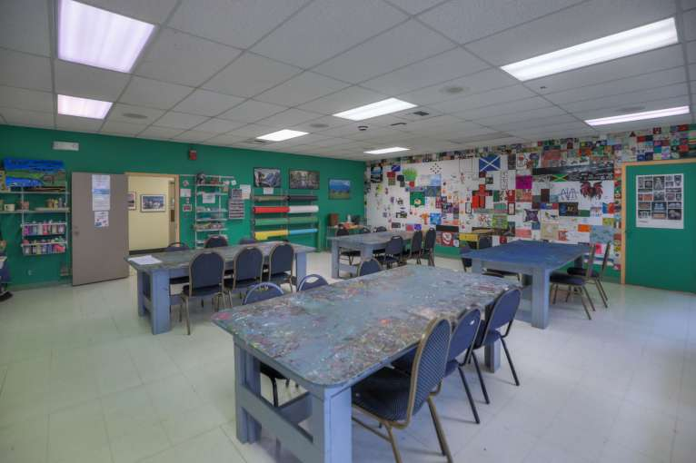 Cascades Job Corps Center arts and crafts room