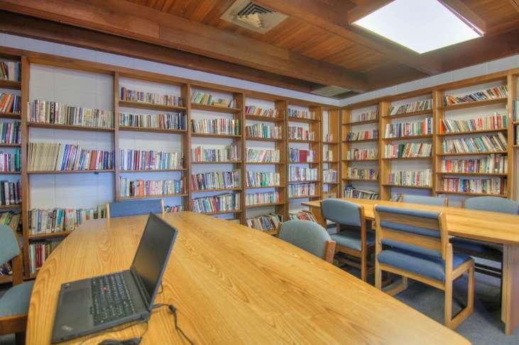 Pine_Ridge_Library30