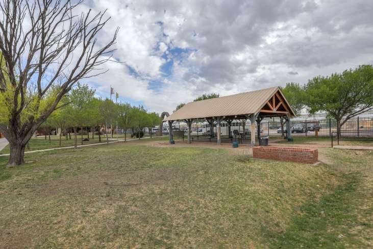 Roswell_Grounds77