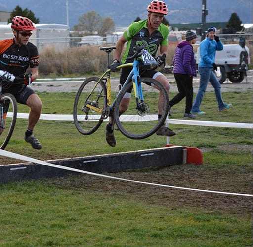 Montana Multisport cylocross: Sean on the barriers