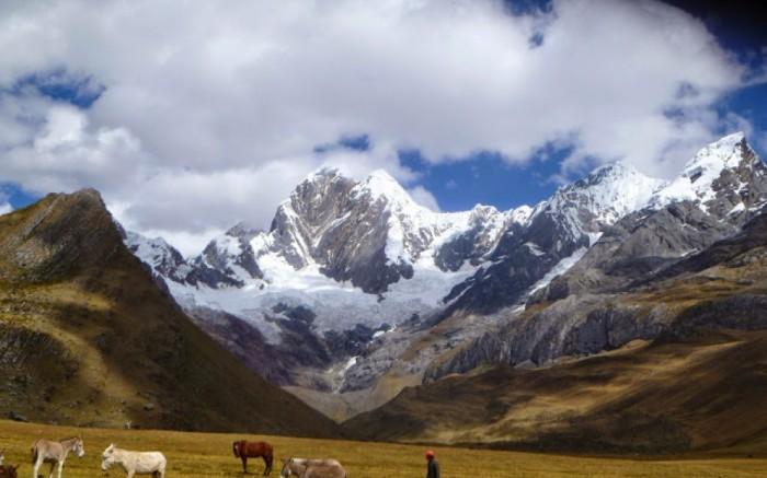 Cordillera Huayhuash Trekking 2016 Hiking Walking Peru /  / Joinnus