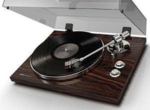 Akai Professional BT500 Premium Belt-Drive Turntable