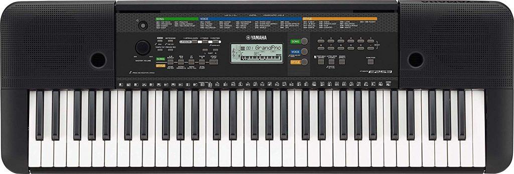Yamaha PSR E254 digital piano
