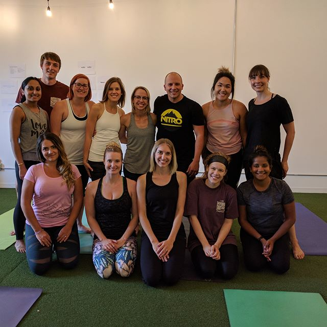 Huge thank you to @daniellemurrayyoga for leading us through the perfect lunchtime yoga sesh today! Feeling fresh and focused!
