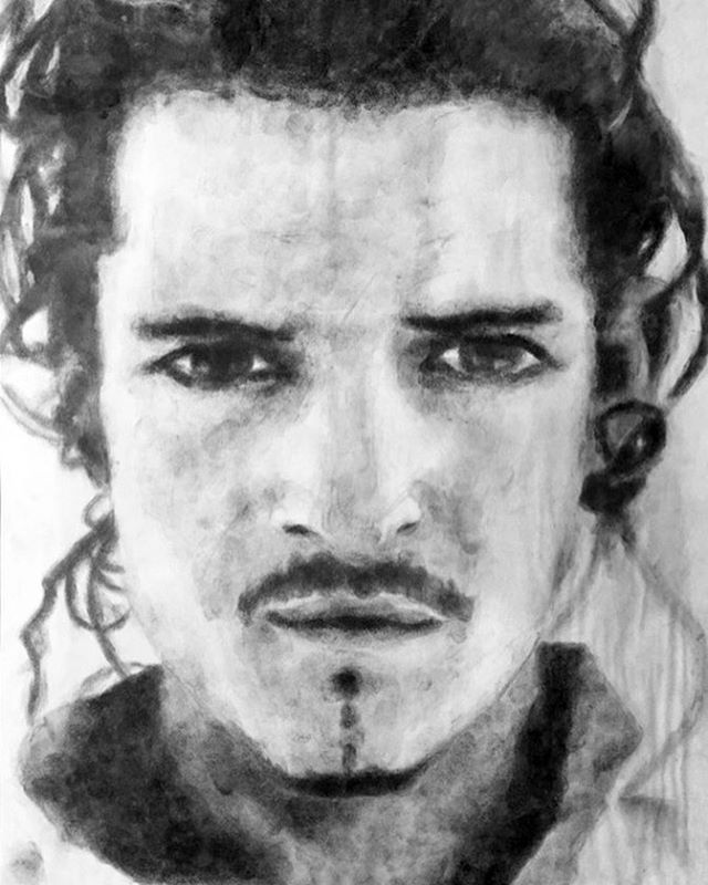 Happy #FanArtFriday! Check out this amazing @orlandobloom portrait that @jennsavchyn did 11 years ago with her fingerprints. Fingerprints!!!