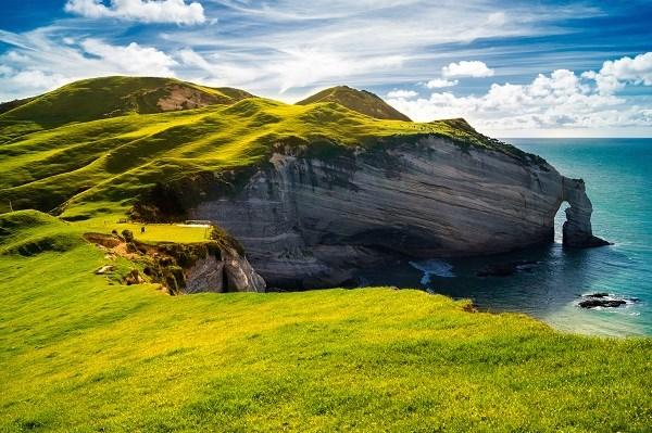 Ireland-Cliffs-Green