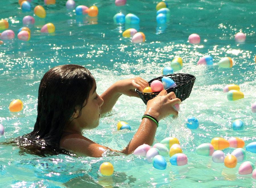 Pool-egg-hunt-2