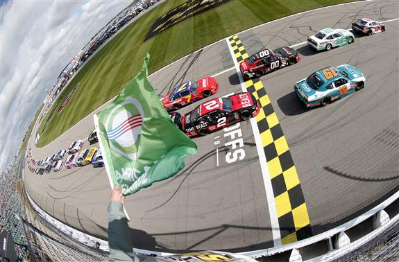 Saturday at Kansas Speedway: Scuffles, Surprises, and 'Sorry'