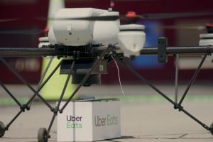 uber-eats-comenzara-a-entregar-big-macs-con-drones