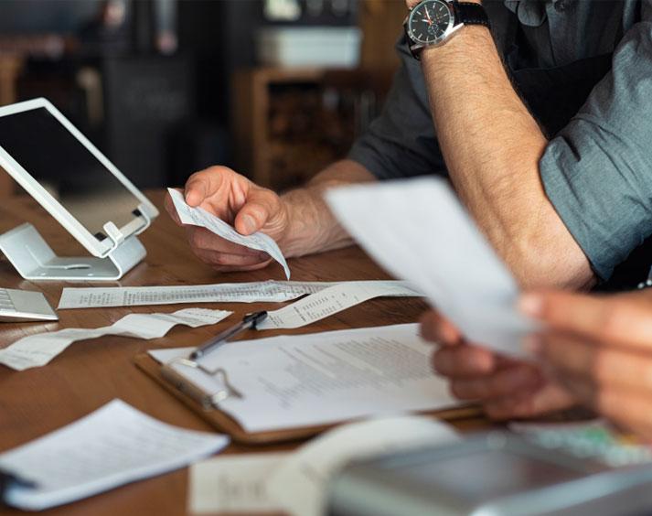 ¿Puedo entregar facturas y estados de cuenta en lugar de la CIEC?