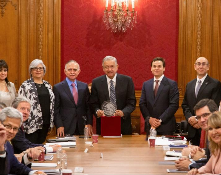 amlo-promete-mas-apoyo-del-gobierno-para-pymes