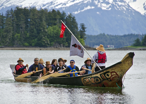 The first canoe arrives