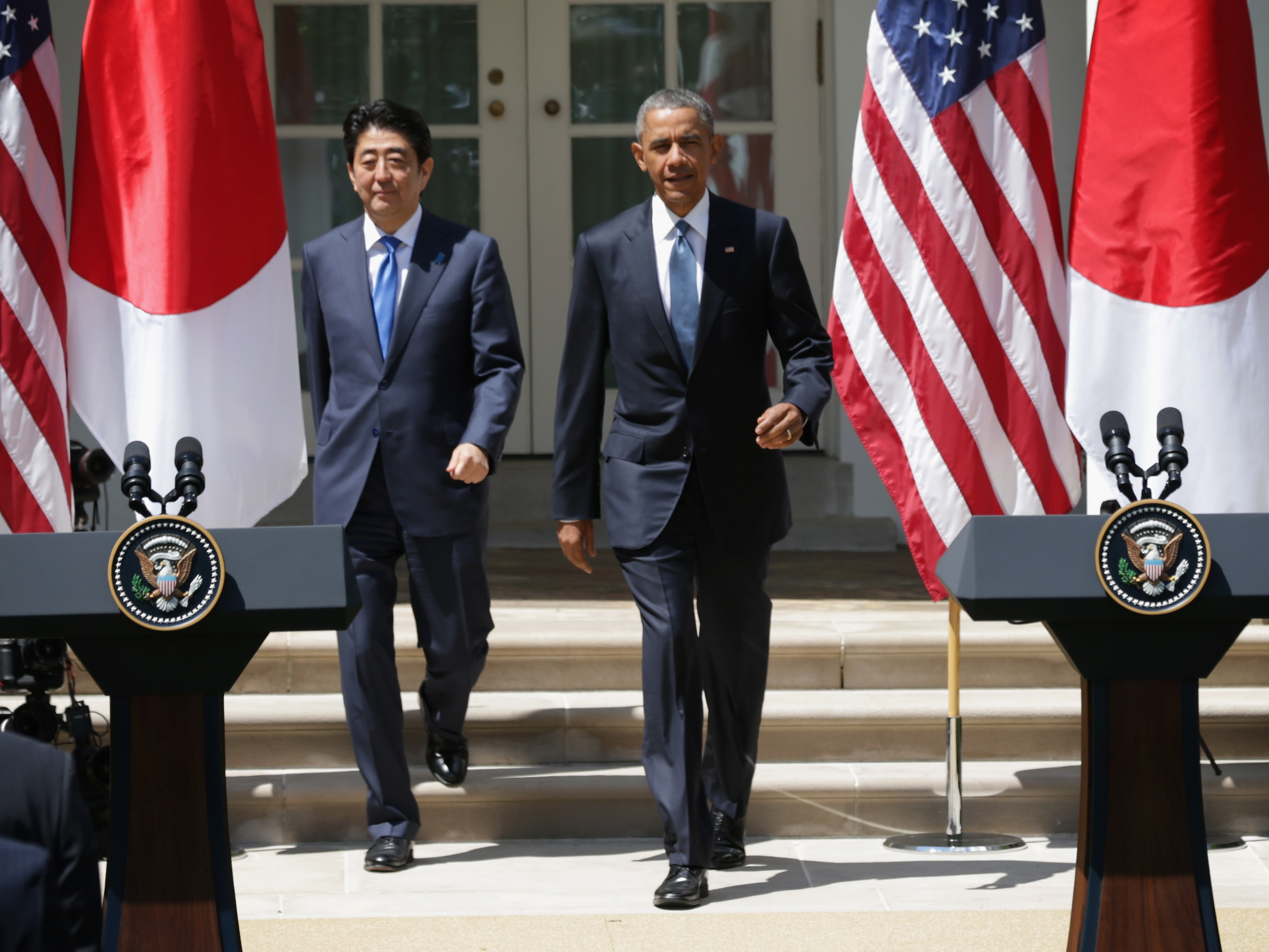 Still Hoping That President Obama >> President Obama And Japanese Prime Minister Shinzo Abe Approach The