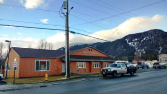 The Haines Borough Administration building. (Photo by Emily Files/KHNS))