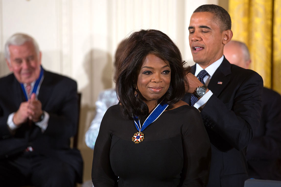 President Barack Obama awards the 2013 Presidential Medal of Freedom to Oprah Winfrey during a ceremony in the East Room of the White House, Nov. 20, 2013. (Photo by Lawrence Jackson/White House)