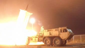 A terminal high altitude area defense, or THAAD, interceptor is launched from the Pacific Spaceport Complex Alaska in Kodiak, Alaska, during Flight Experiment THAAD (FET)-01 on July 30, 2017. (Photo by Leah Garton/Missile Defense Agency)