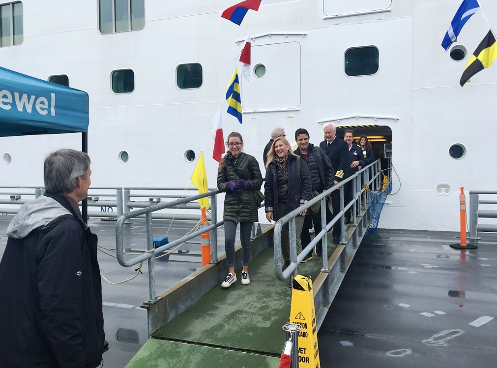 The Borda family disembarks from the Norwegian Jewel on Monday, Sept. 25th. Candy Borda is Ketchikan's 1 millionth cruise visitor for 2017. (Photo by Leila Kheiry/KRBD )