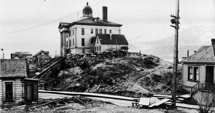 Juneau Courthouse, April 29, 1922. In Alaska's territorial, Juneau was the site of three legal executions. Seven years after the last man was hung, the territory banned capital punishment. (Photo used with permission by Alaska State Library Photo Collection, P01-1073)