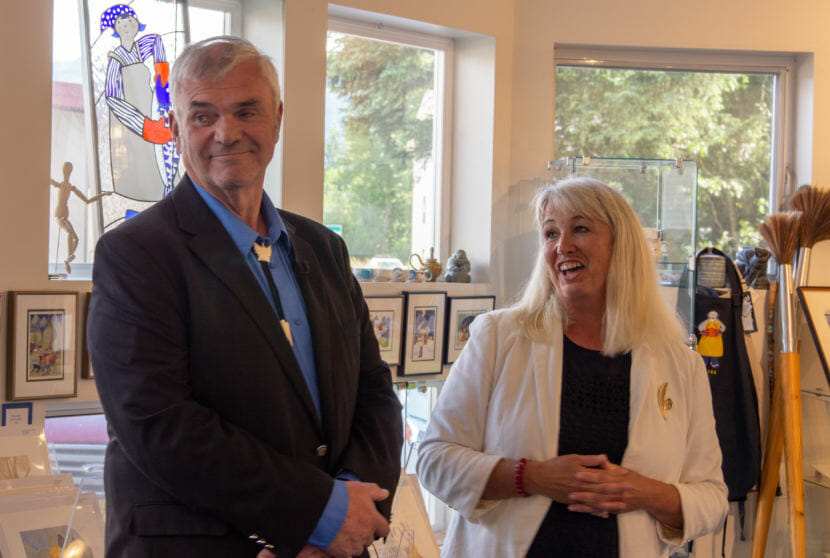 Cathy Muñoz introduces Don Etheridge as a candidate for Alaska's Senate District Q at a campaign event at Rie Muñoz Gallery on July 12, 2018. Muñoz is a former Republican House member. Etheridge is running as an independent.