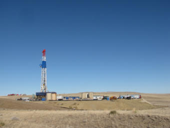 A long directional drilling rig in Wyoming.