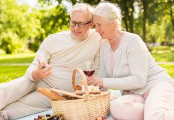 The Best Online Dating Apps for Seniors