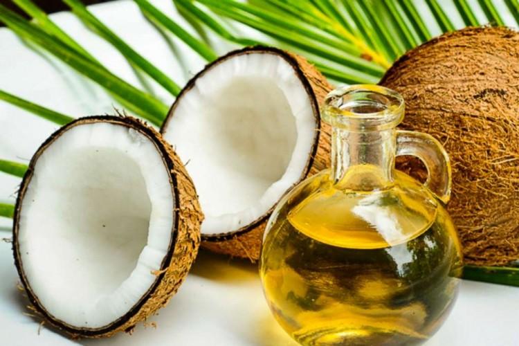 Aceite de coco para el cabello rubio