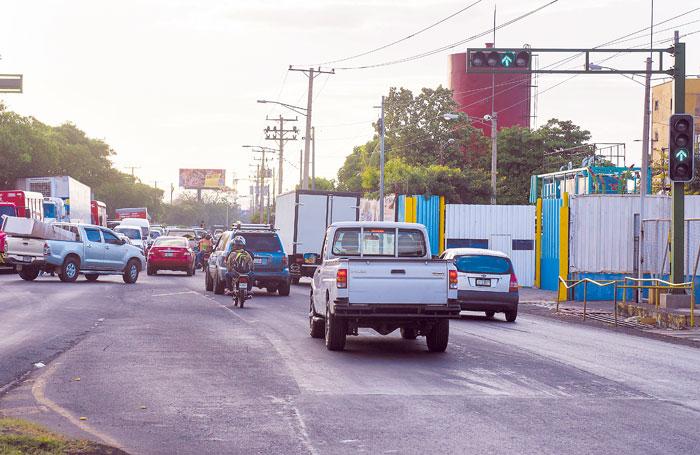 Registros de Tránsito Nacional revelan que en Managua circulan a diario cerca de 250,000 automóviles. Esta cifra representa la mitad del parque vehicular a nivel nacional.