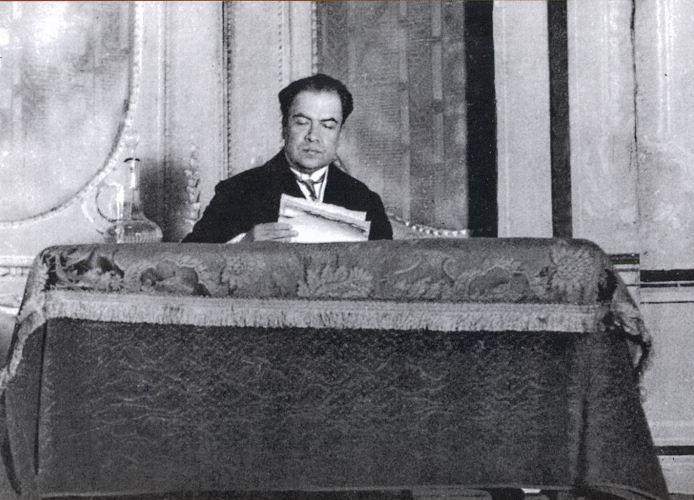 Rubén Darío en el Teatro Odeón en Buenos Aires, Argentina, en mayo de 1912. LA PRENSA/Reproducción/Revista Conservadora del Pensamiento Centroamericano.