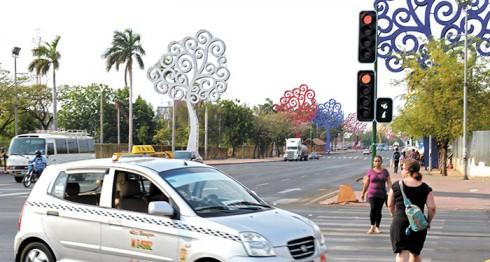 """Los semaforos """"inteligentes"""" de la asamblea nacional estan programados incorrectamente. Managua 23 de Abril del 2016. Foto LA PRENSA/Manuel Esquivel"""
