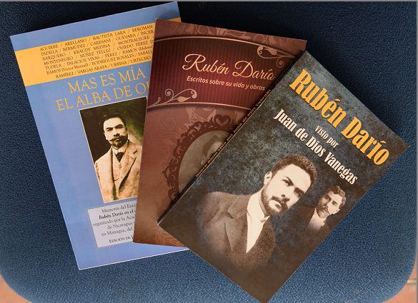 Libros sobre Rubén Darío.
