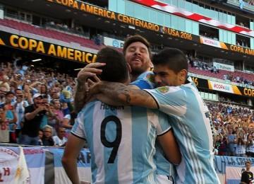 Messi por su primer título. LAPRENSA/ EFE