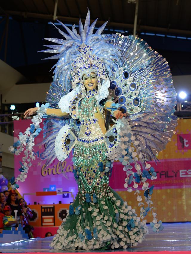 Honduras mujer de noche - 3 part 7