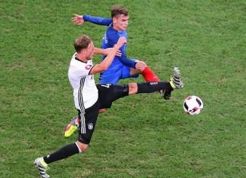 El delantero francés Griezmann es el goleador de la Eurocopa con seis. LAPRENSA/EFE