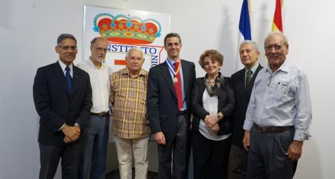 Carlos Blasco fue condecorado con la Orden Cultural Darío-Cervantes, entregada por la Junta Directiva del Instituto Nicaragüense de Cultura Hispánica. Le acompañó Rafael Garranzo García, embajador de España.LAPRENSA/ARNULFOAGÜERO