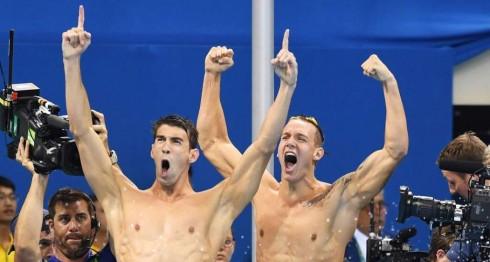 Phelps celebra su medalla de oro olímpica número 19. LA PRENSA/ EFE/EPA/BERND THISSEN