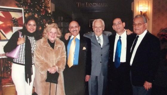 El pianista estadounidense Irving Fields, autor de la canción Managua, Nicaragua. Al centro de traje gris, con amigos y músicos. LAPRENSA/CORTESÍA