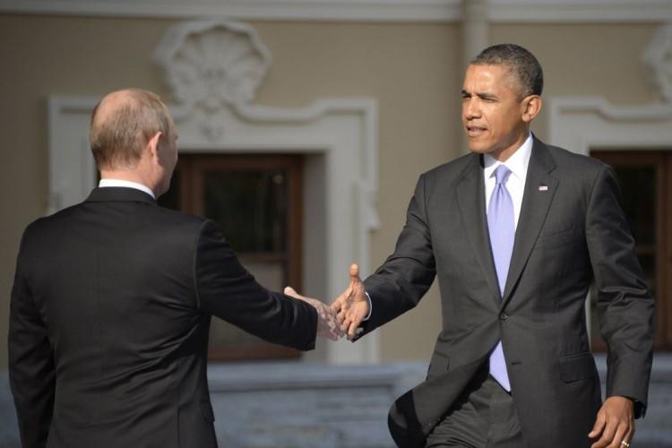 Putin y Obama se dan la mano en 2013. AFP / ALEXANDER NEMENOV