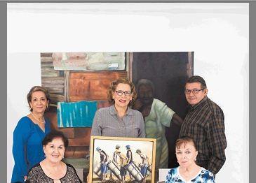 Parte de exponentes de Formas y colores. Luz Marina Acosta, Nunzia Valenti, María Renée Pérez, Giovanna Serrano y Constantino Hernández. LAPRENSA/ YADER FLORES