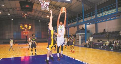 juego de basketball, Trinis