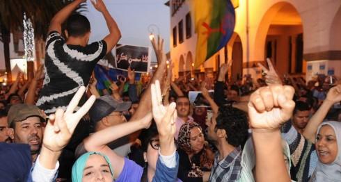 Ciudadanos de Marruecos indignados por la muerte de un vendedor de pescado. EFE/EPA/ABDELHAK SENNA
