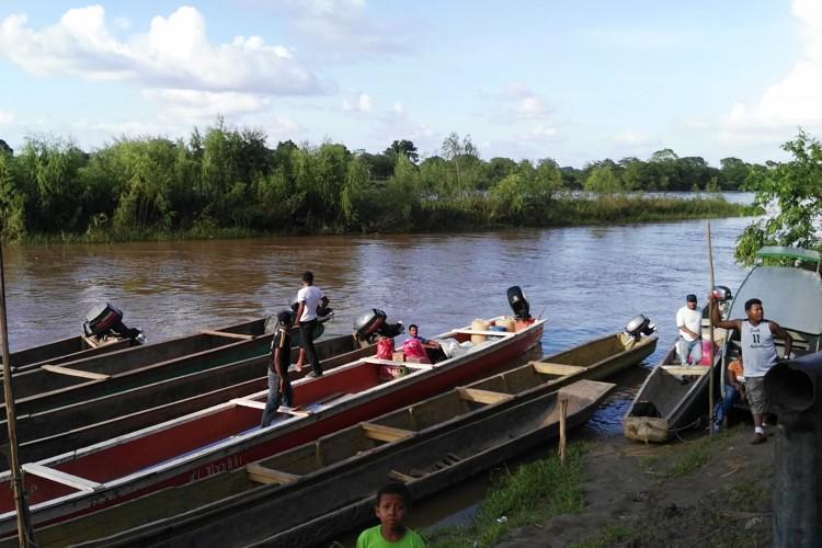 indígenas en Waspam