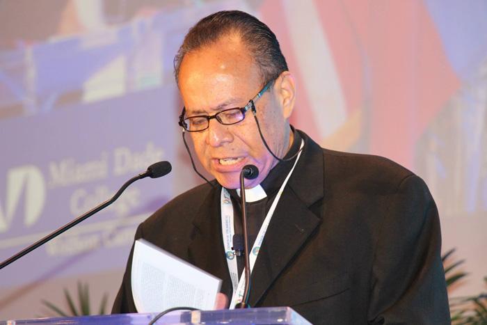 Obispo Mata, abelardo mata