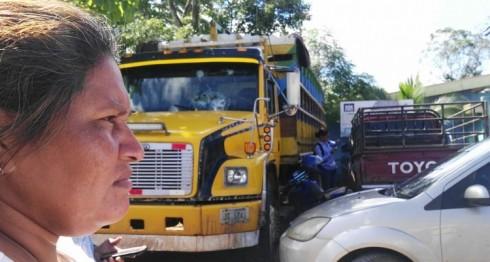 Camión de Francisca Ramírez estacionado frente a delegación policial de Nueva Guinea. LA PRENSA/E.Romero