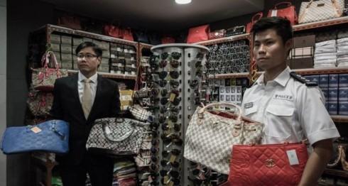 Falsificación, productos falsos