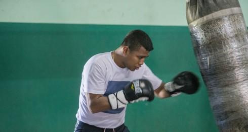 Román Chocolatito González se entrena en Managua, ante la posibilidad de pelear en marzo próximo. LA PRENSA/LISSA VILLAGRA
