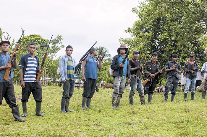 indígenas, colonos