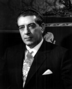 250px-Retrato_de_Adolfo_López_Mateos.png