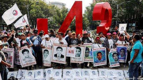 43 normalisatas ayotzinapa.jpg