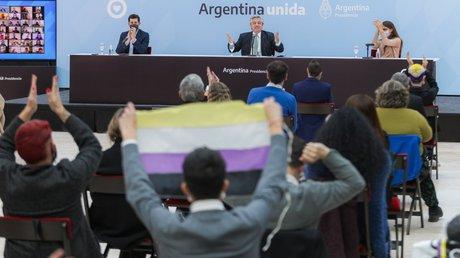 Argentinapersonas no bin.jpg