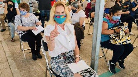 Beatriz Gutiérrez Müller vacuna.jpg